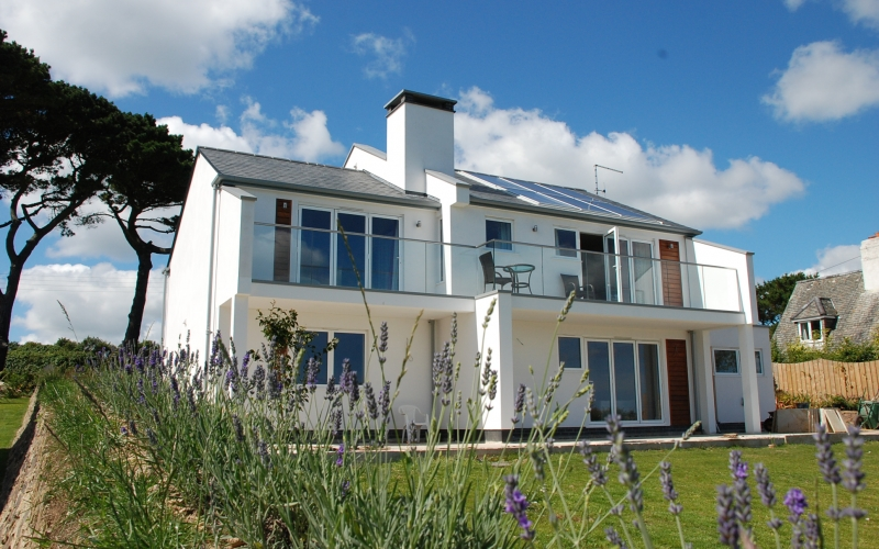 Long Commons St Mawes designed by The Bazeley Partnership Architects in Cornwall